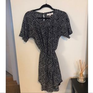Short sleeve lightweight dress
